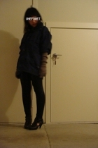 jacket - Zara gloves - Sirens leggings - UO shoes