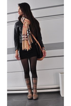 nude Burberry boots - black bodycon H&M dress - black H&M jacket