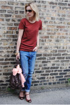 brick red JCrew t-shirt - crimson Bandolino heels