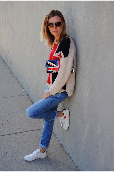 nude Forever 21 sweater - red Accessorize bag - cream Converse sneakers