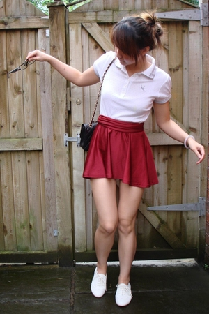 Topshop t-shirt - American Apparel skirt - Topshop shoes - Chanel purse - Prada