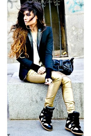 black beige Upere sneakers