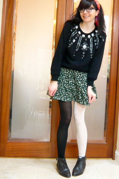 black American Apparel tights - green thrifted skirt - black vintage sweater - b