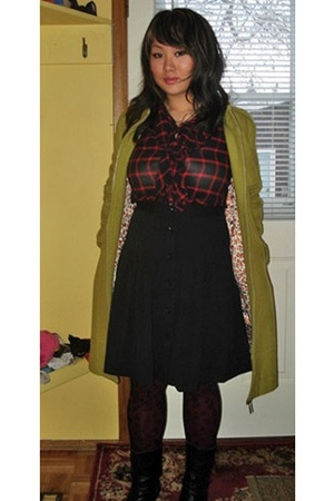red Gap blouse - black thrifted boots - green luxuo coat