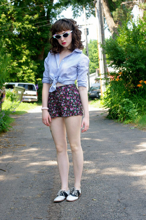 bubble gum floral xhiliration shorts - black saddle Payless shoes