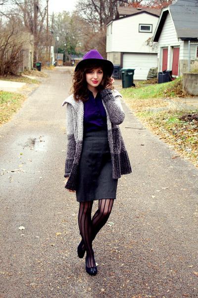 deep purple wool unknown hat