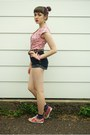Bubble-gum-vintage-shirt-salmon-keds-sneakers