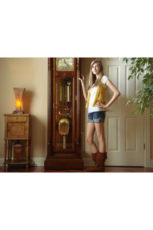 vest - shorts - shoes - t-shirt
