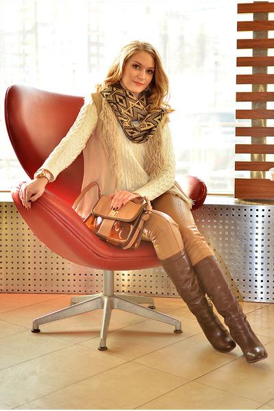 H&M blazer - Elche boots - Aliexpress jeans - Accessorize scarf - H&M vest
