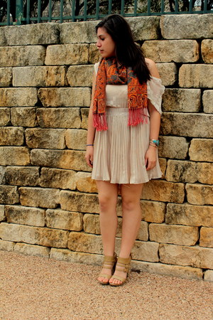 tan Shooz heels - carrot orange thrifted scarf - eggshell Ark & Co skirt