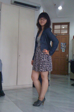 Armani Exchange blazer - Lulu and Rose dress - Zara shoes