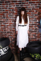 white vintage dress - white linen jacket - black leather belt - black thrift boo