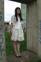 white SoFrench jacket - white Etsy skirt - beige thrifted boots