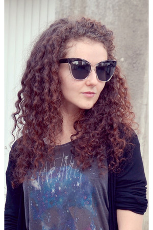 black AJ Morgan sunglasses