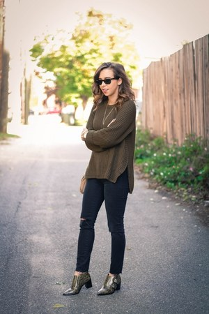 black distressed madewell jeans - army green Tibi boots