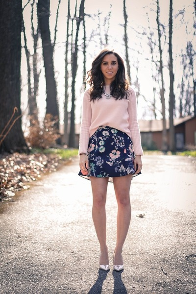 Light-pink-wool-gap-sweater-navy-floral-zara-skirt