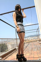 black H&M top - white American Apparel skirt - silver casio accessories - black