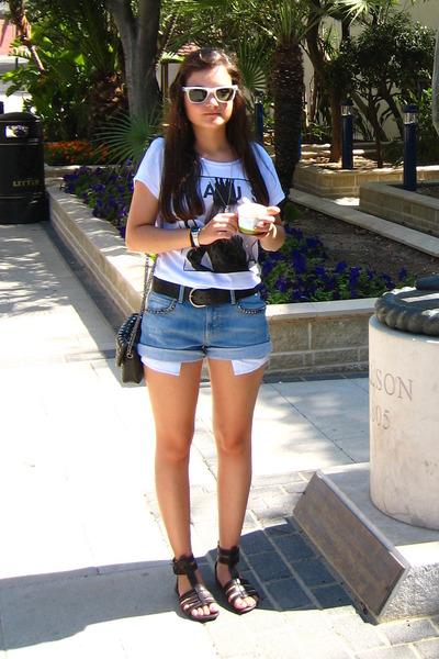 white New Yorker shirt - black vintage belt - blue Zara shorts - white Ray Ban s