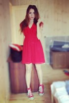 red H&M dress - Converse sneakers
