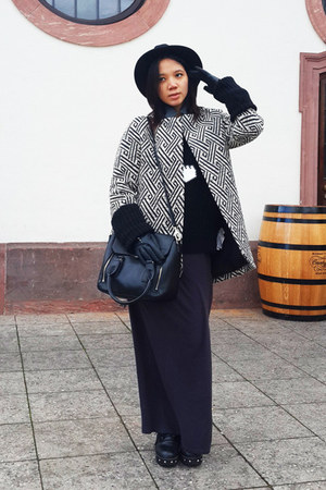 Zara coat - Indentite dress - Charles & Keith bag - Zara gloves