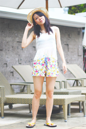 H&M hat - Zara shorts - H&M sandals - H&M top