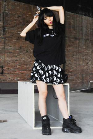 Buffalo shoes - FUXURY t-shirt - Cocraparis skirt - YG Ent hair accessory