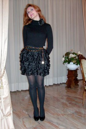 black sweater - black H&M skirt - black Pollini belt - Nine West shoes