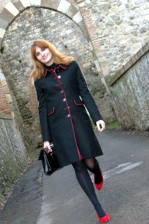 black El Ganso coat - red vintage suede shoes shoes - black patent studded bag a