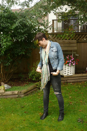 black Forever 21 jeans - blue H&M jacket - black garage t-shirt - blue borrowed
