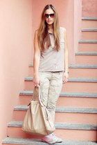 pink All star shoes - beige Monnalisa shirt - olive green Please pants