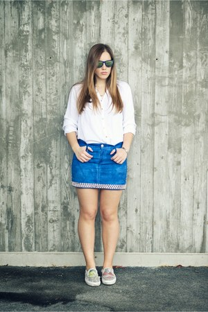 blue Vans sneakers - white Pull and Bear shirt - blue LeRock skirt