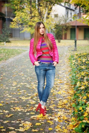 hot pink aspesi coat - blue LeRock jeans - hot pink les copains sweater