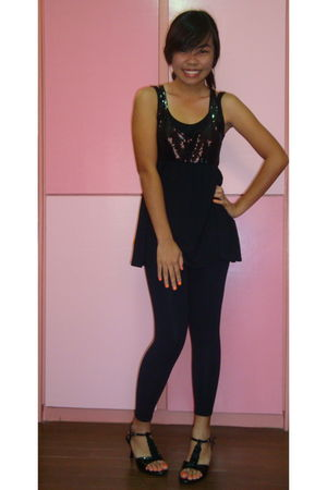 black blouse - black leggings - black shoes