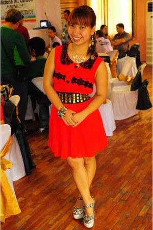 Jellybean wedges - Pink Manila top - skirt - studded belt