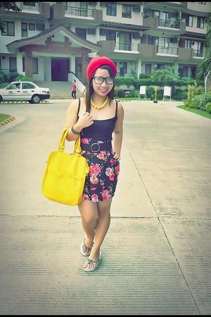black Zara top - skirt - yellow random from Hong Kong bag - DIY - yellow necklac