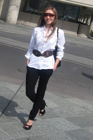 white Alfani blouse - black pants - heels