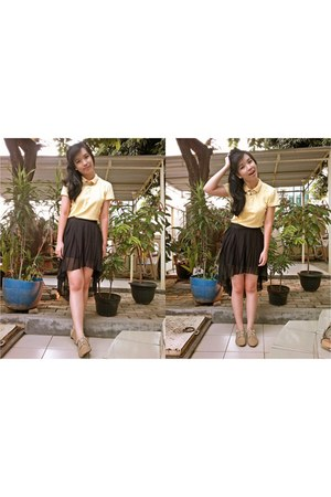 brown semi-leather Elizabeth shoes - yellow cotton giordano shirt
