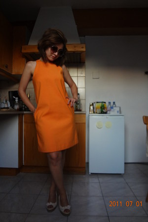 Zara dress - H&M sunglasses