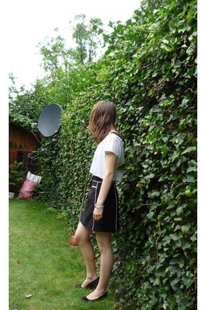 H&M t-shirt - vintage skirt