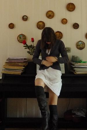 Calzedonia dress - H&M blazer - Sacha shoes - H&M socks