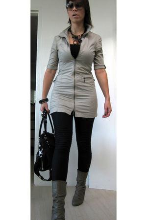 white D&G sunglasses - beige Seduction Sirens top - black supre leggings - beige