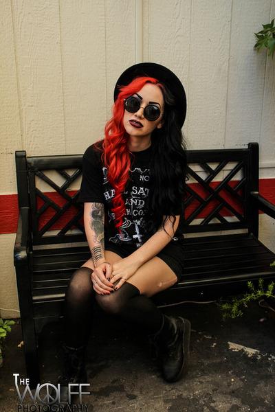black YRU boots - fedora hat - black tights - sunglasses