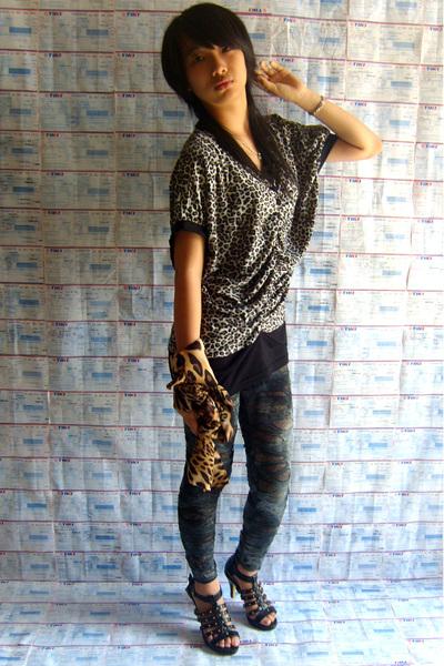 brown dress - blue leggings - brown scarf - black covet shoes
