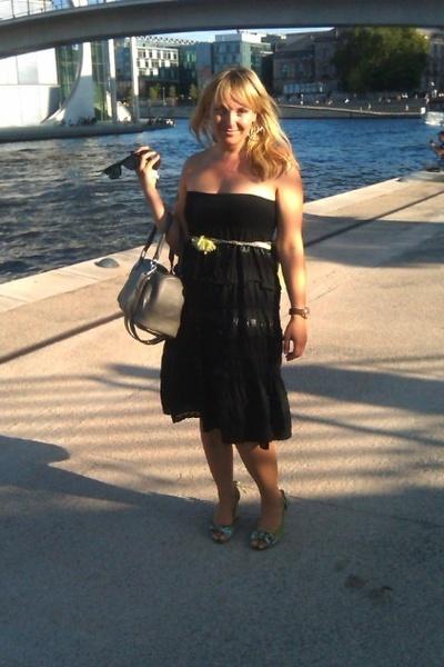 forever18 skirt - H&M - Noa noa belt - H&M earrings -