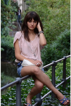 sky blue vintage shorts - white H&M bag - light pink Zara blouse