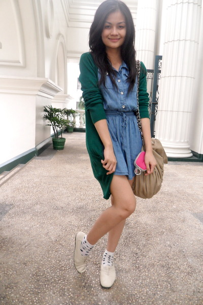blue random from Hong Kong dress - green Borrowed from mom cardigan - white Fore