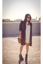 white shift dress H&M dress - black busted creepers Jeffrey Campbell boots