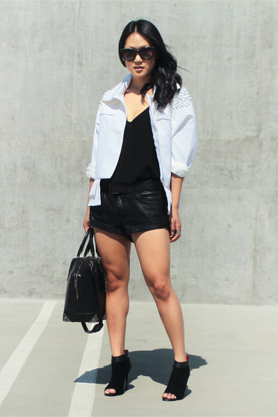 white Cameo the label jacket - black Charles Jourdan shoes