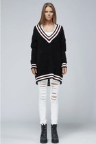 AFTER SCHOOL CLUB SWEATER