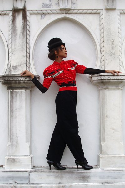 red vintage sweater - black Esprit pants - black vintage hat - black no name bra